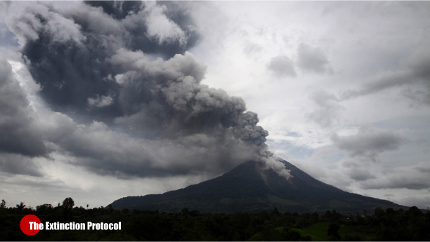 Hundreds flee as Indonesia's Sinabung Volcano violently erupts again Aa-sinabung-volcano-4-29-2015